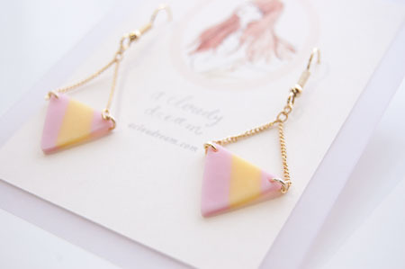 a cloudy dream|Candy Pierce triangle pink×yellow | webのレンタルボックス minne(ミンネ)