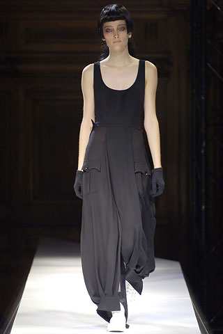 Yohji Yamamoto | Spring 2007 Ready-to-Wear Collection | Style.com