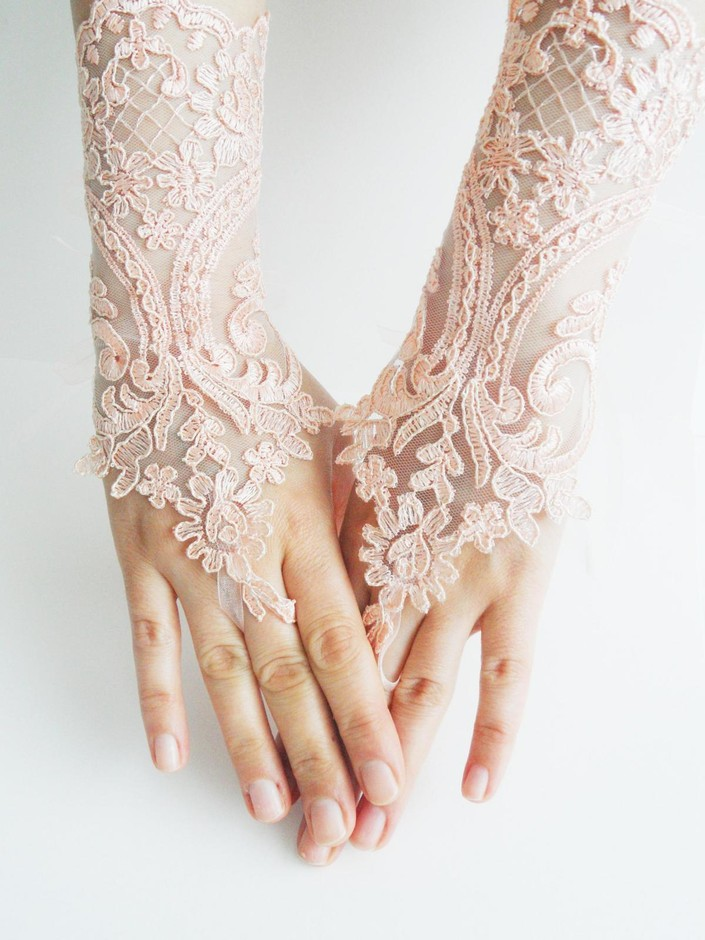 Lace Gloves, Soft Peach Pink Wedding Gloves, Bridal Gloves, Fingerless Gloves, Salmon, Pink Light, O on Luulla