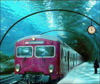 place / Underwater train in Venice.
