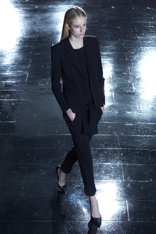Theyskens' Theory Resort 2013 Collection Slideshow on Style.com