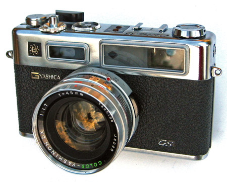 Google 画像検索結果: http://www.thecamerasite.net/02_Rangefinders/Images/Yashica-electro-35-gs.jpg