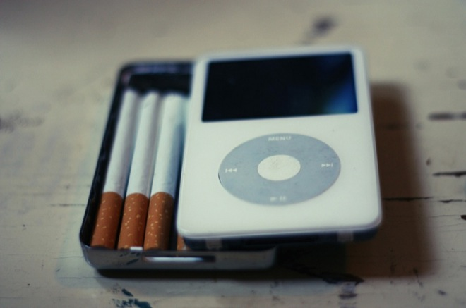 Vintage iPod Doubles as Cigarette Case | Gadget Lab | Wired.com