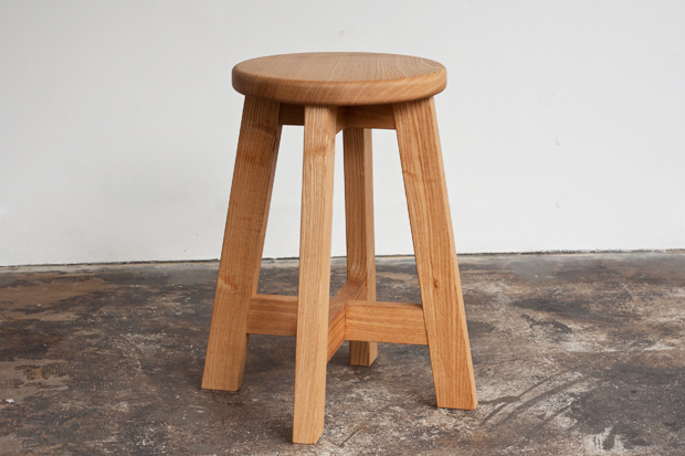 """trace"" ROUND STOOL - ONE TENTH Online Shop"