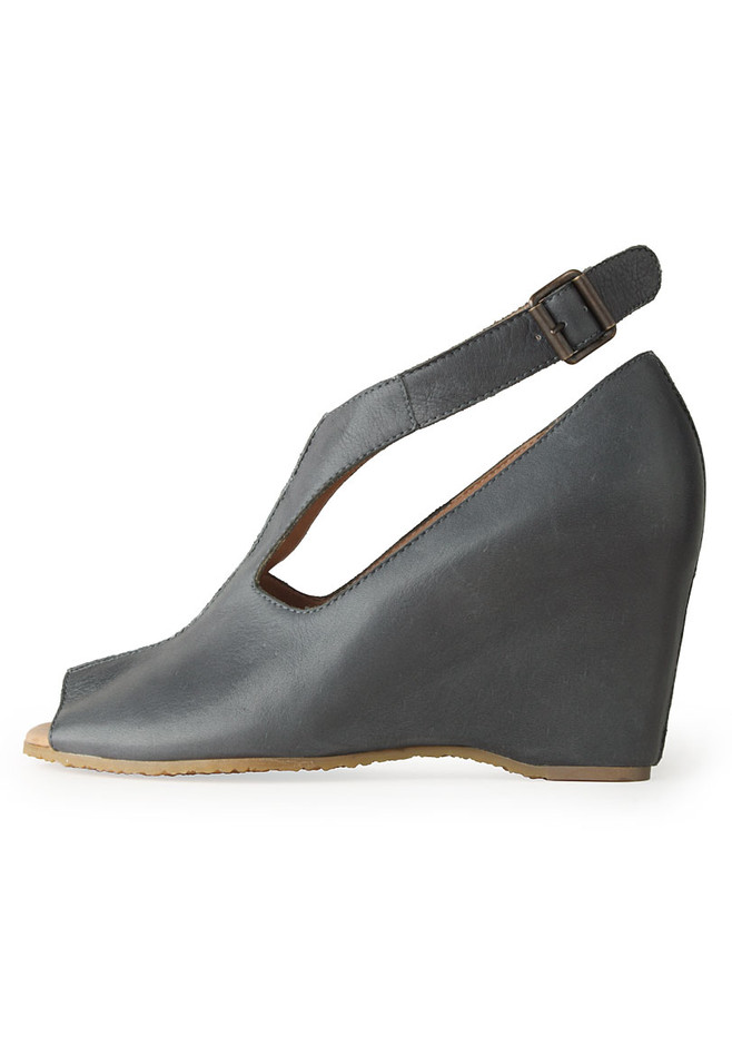 MM6 by Maison Martin Margiela / Ankle-Strap Wedge | La Garçonne