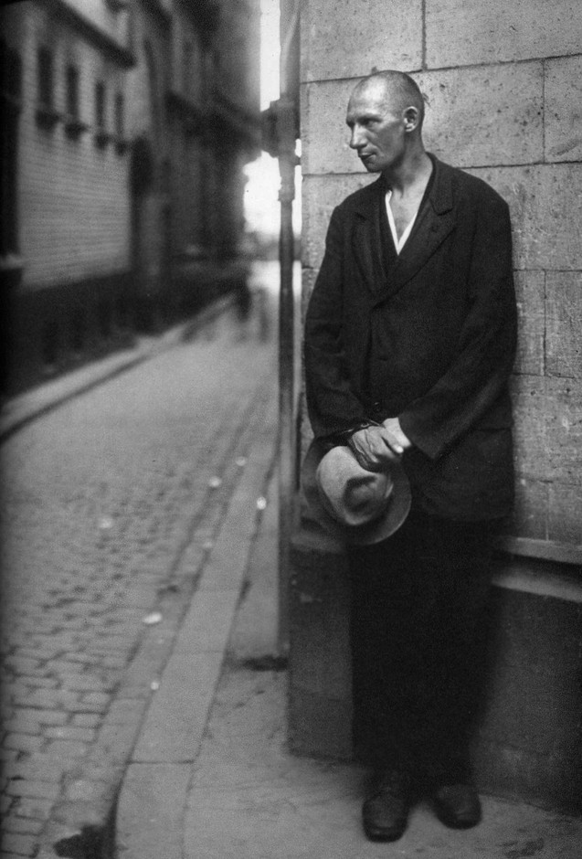 The world of old photography — August Sander: Unemployed man, 1928 ...
