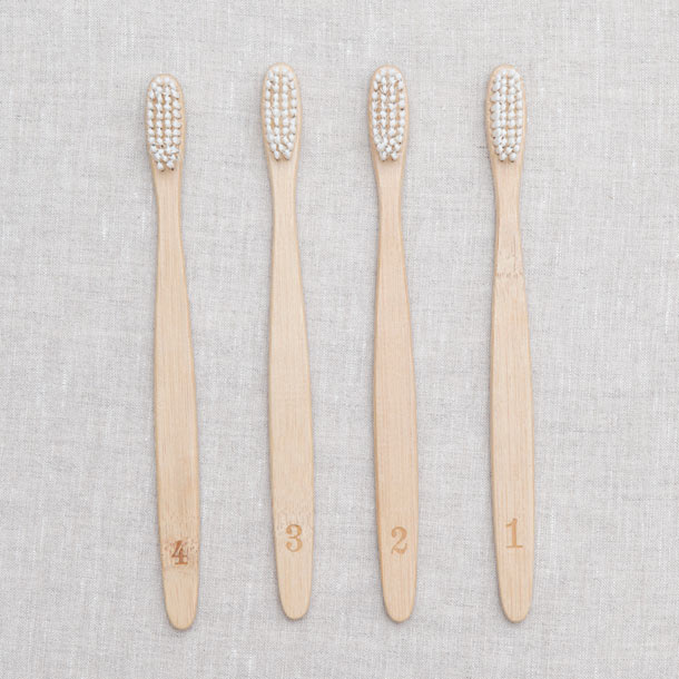 Tooth Brush - Numbers - SOUTHERN ACCENTS New York サザンアクセンツ