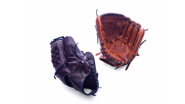 Google 画像検索結果: http://mocoloco.com/mr/wp-content/uploads/2012/06/coach-baseball-glove1.jpg