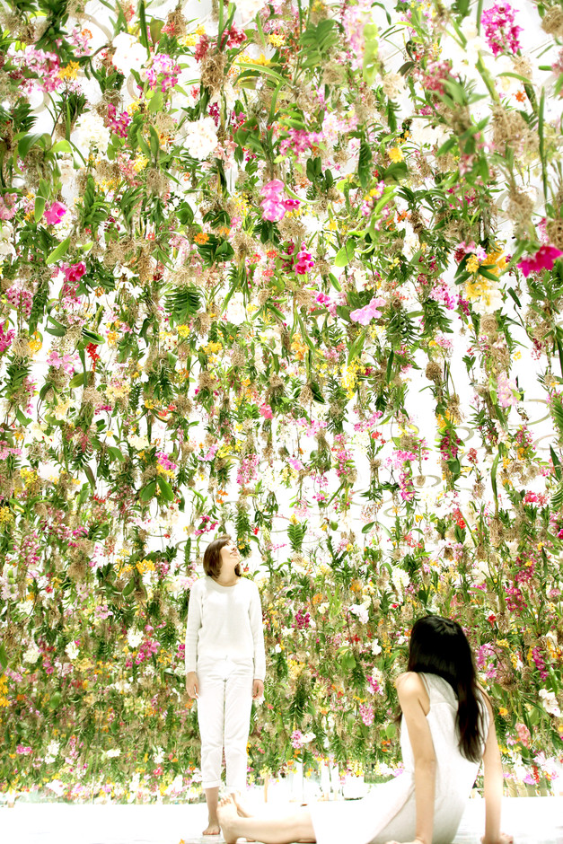 Floating Flower Garden – Flowers and I are of the same root, the Garden and I are one (work in progress) / Floating Flower Garden – 花と我と同根、庭と我と一体 (work in progress) | teamLab / チームラボ