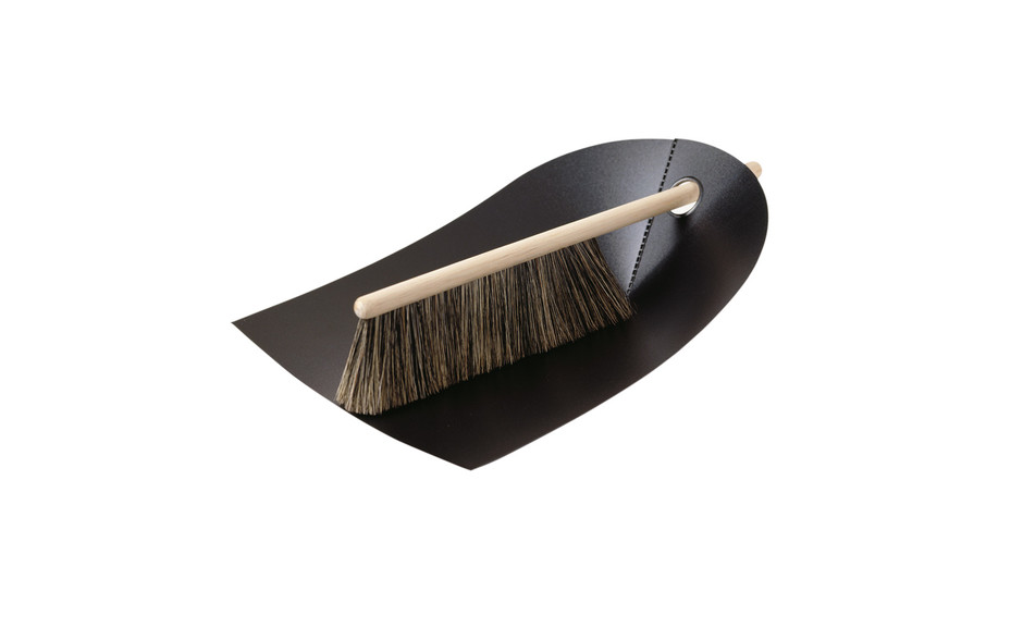 Dustpan and Broom in black | Functional and aesthetic design