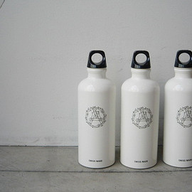 MOUNTAIN RESEARCH×SIGG - water bottles