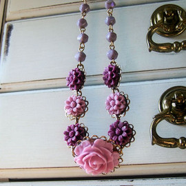 Luulla - purple flowers necklace