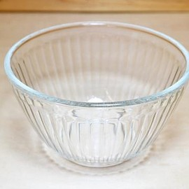 Pyrex - Ribbed Mixing Bowl