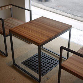 IKURA design - Table & Chair