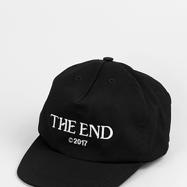 """OFF-WHITE - """"THE END"""" CAP"""