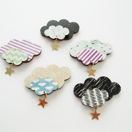 UNPEU - cloud brooch