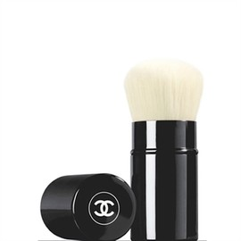 CHANEL - LES BEIGES RETRACTABLE KABUKI BRUSH
