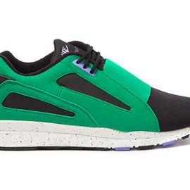 "Nike - Air Current ""Stadium Green"""