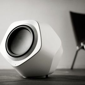 Bang & Olufsen - BeoLab 19 Wireless Speakers / subwoofer