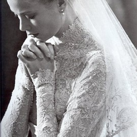 Grace kelly - not really a wedding dress fanatic but this is beautiful