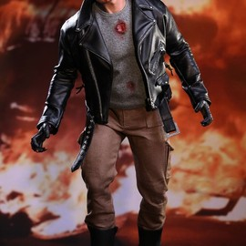 HOT TOYS - MMS238 The Terminator T-800(Battle Damaged Version)