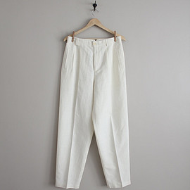 white trousers / high waisted pants / baggy white pants