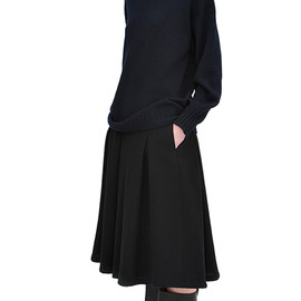 MARGARET HOWELL - 3 Ply wool hand knit guernsey, Solt lamswool skirt, waxed leather military boot