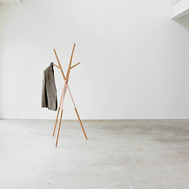 hollis+morris - BELLWOODS CLOTHES STAND