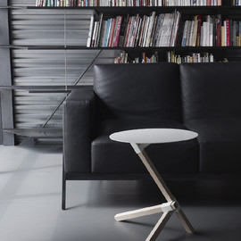 DUENDE - TRE side table