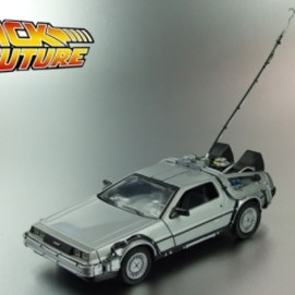 Welly Die Casting - Back To The Future - 1/24 Die Cast Model: Delorean