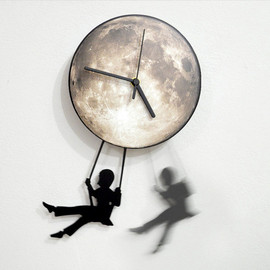 ObjectIndustrialArt - Swinger Girl Full Moon - Pendulum Wall Clock