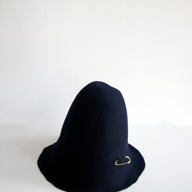 COSMIC WONDER Light Source - Felt Hat with Pin