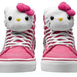 VANS - HELLO KITTY × VANS SK8-HI SLIM