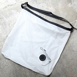 FAIRWEATHER - packable sacoche (white)