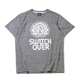 ONEHUNDRED ATHLETIC - 100A COTTON S/S SWITCH OVER GRAPHIC TOP