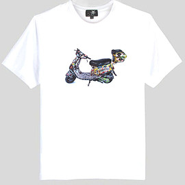 """invader - """"Scooter"""" Print Cotton T-Shirt in White"""