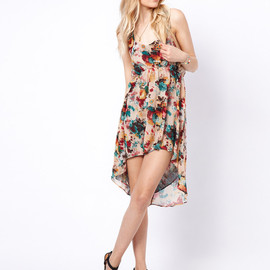 To Love Kuvaa - Floral Dipped Hem Dress