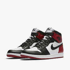 "NIKE - AIR JORDAN 1 RETRO HIGH OG ""Black toe"""