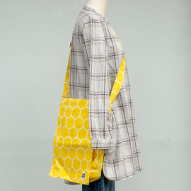 10gruppen - Shoulder Bag with Flap 10gruppen  honey yellow