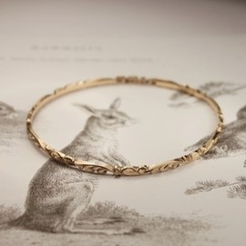 Rust - Image of ladies floral bangle..... {手彫フローラルバングル}