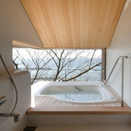 Serene bath,From archdaily.com