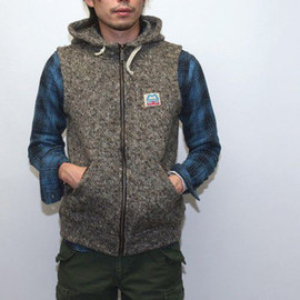 MOUNTAIN EQUIPMENT - CLASSIC WOOL HOODED VEST