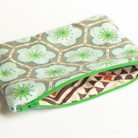 Luulla - Zipper Pouch - Hexagons in Grey and Blue with Green Zipper