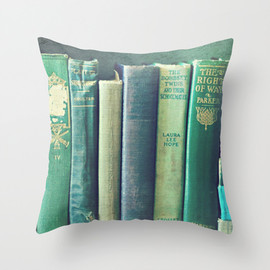 the right of way Throw Pillow