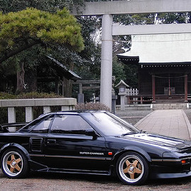 TOYOTA - MR2