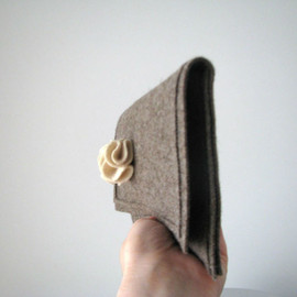 Luulla - winter felt clutch natural tones - Ready to ship