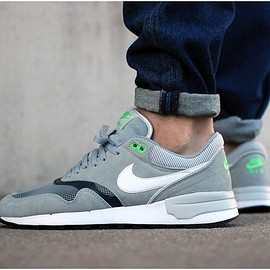 NIKE - Nike Air Odyssey (Silver / white - classic charcoal)