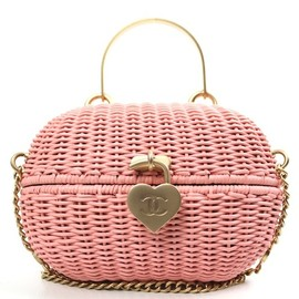 CHANEL - Vintage Chanel Pink Rattan Basket shoulder Bag (Uber Rare)
