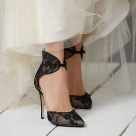 Monique Lhuillier - Monique Lhuillier Lace Accent Heels