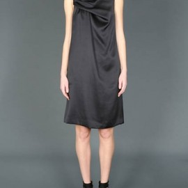 Chloe - BLACK SLEEVELESS DRESS IN SILK DRAPED ON SIDE 1